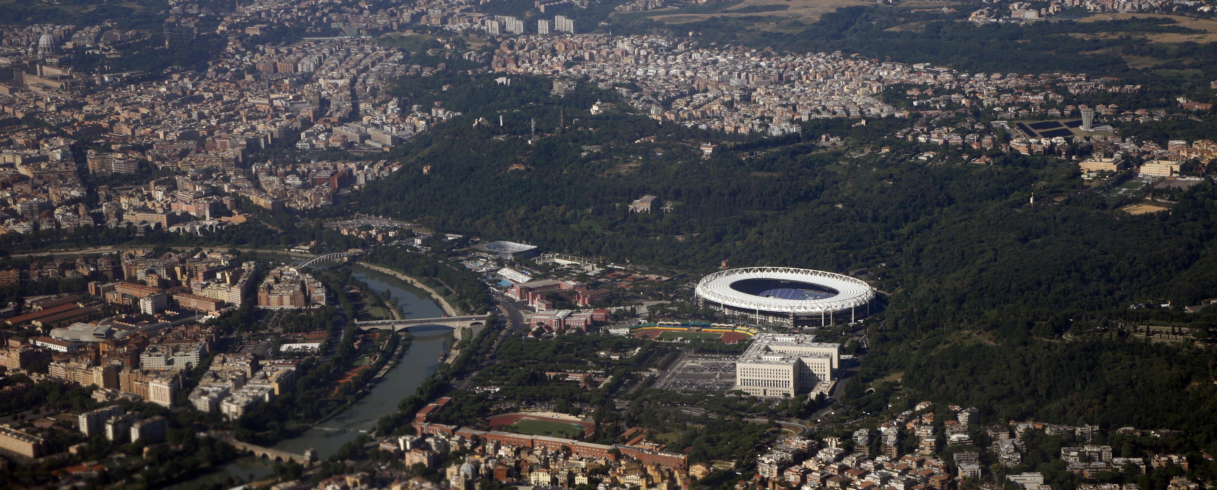 http://www.carrazza.it/wp-content/uploads/2016/12/21-Veduta-oggi-Stadio-Olimpico-4.jpg