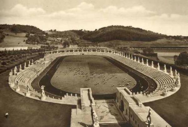 http://www.carrazza.it/wp-content/uploads/2016/12/3-Stadio-Marmi-1932.jpg